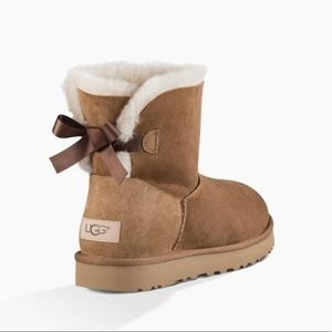 AUTHENTIC UGG BROWN BOOTS